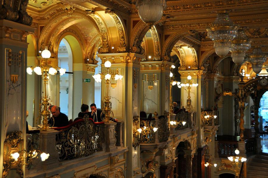 کافه نیویورک در بوداپست