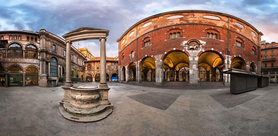 میدان بازرگانان piazza dei Mercanti