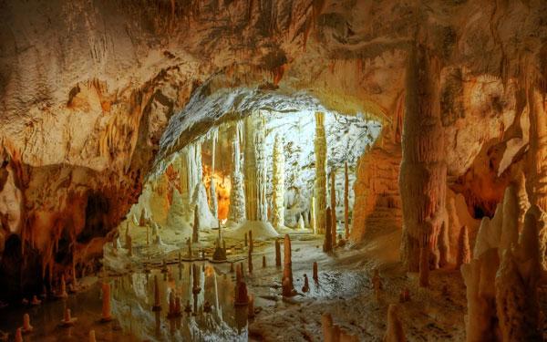 غار فراساسی