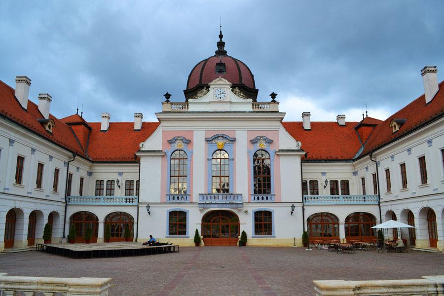 کاخ گودولو اتریش مجارستان