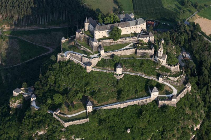 قلعه هوچواسترویتز