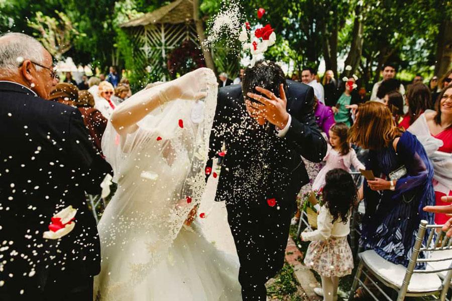 در عروسی برنج نپاشید